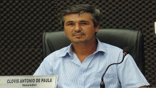 Vereador Clóvis de Paula elabora ofício a ANATEL