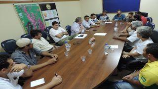 Reunião discute situação das empresas locadas no ponto de embarque e desembarque